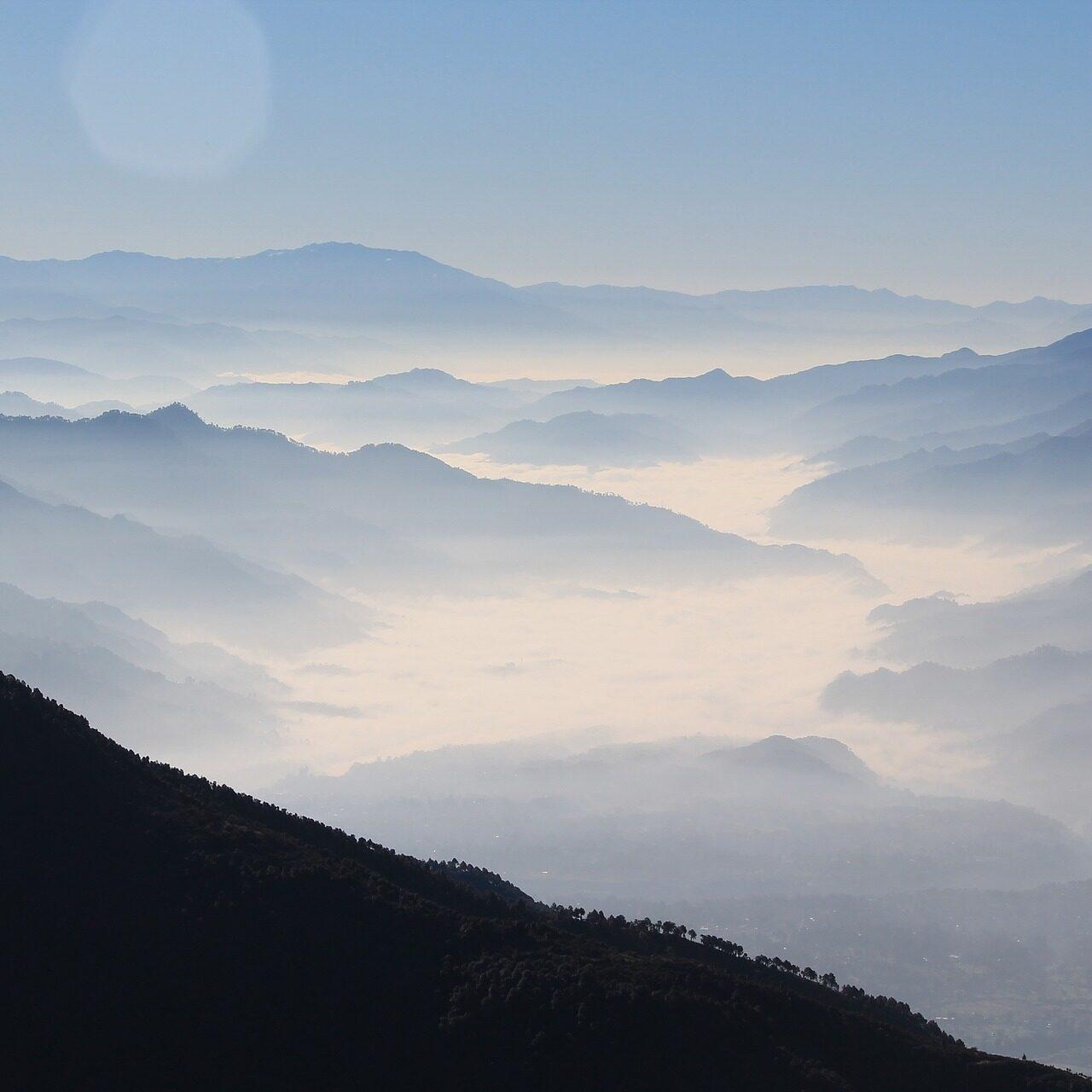 mountains-863048_1920
